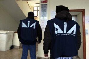 'Ndrangheta, maxi blitz con tre arresti anche in Toscana