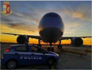 Medico positivo al covid-19 tenta di imbarcarsi su un volo per Milano, denunciato