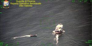 Sbarco di 37 migranti in Calabria, fermati 8 trafficanti di origine nordafricana
