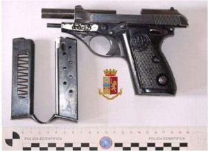 Tre giovani trovati in possesso di un'arma clandestina, arrestati