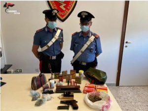 Trovato in possesso di armi e munizioni, 64enne arrestato