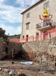 Tragico incidente sul lavoro, 58enne cade da un edificio e muore