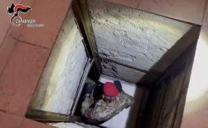 Scoperto dai carabinieri un sofisticato bunker in un'abitazione privata
