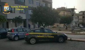 Illeciti elettorali e concussione, ai domiciliari sindaco calabrese