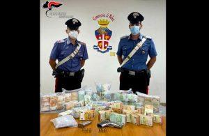 Trovati cocaina, armi e 450mila euro in un garage. 32enne arrestato