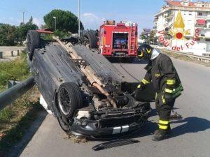 Scontro tra due auto, quattro feriti trasportati in ospedale