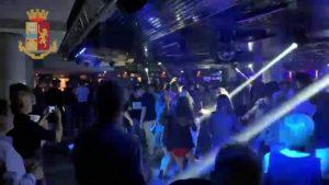 Controlli della Polizia di Stato ad una nota discoteca della provincia di Catanzaro