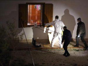 """Furto in casa: spara e uccide il ladro. """"Mi ha puntato la pistola"""""""