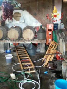 Tragedia in Calabria, 4 morti e un ferito grave per esalazioni tossiche di un mosto d'uva