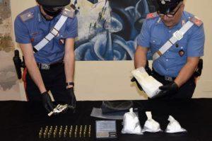 Cocaina nascosta nel muro del bagno, coniugi arrestati